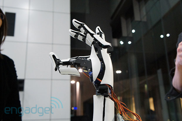 Handie prosthetic uses 3D printing, your smartphone for substantially cheaper bionic hands video