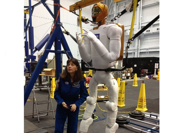 NASA shows off Robonaut's gigantic new legs ahead of 2014 upgrade video