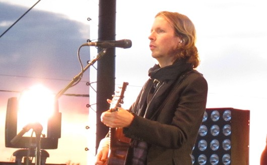 Odelay! Beck penning three new tracks for Sound Shapes