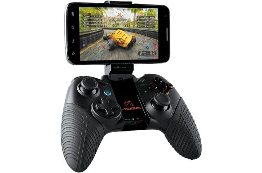 PowerA's Moga Pro straps a controller onto your Android phone