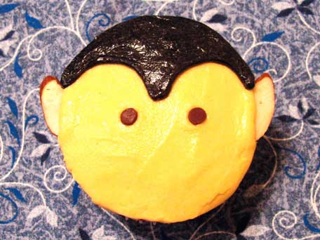 Vampire Cupcake Decorating Step 5
