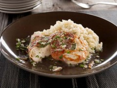 Prosciutto-Wrapped Chicken Breast with Mashed Cauliflower