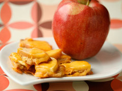 Apple and Cheddar Cracker Snack
