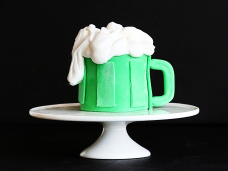 Beer Mug St. Patrick's Day Cupcakes