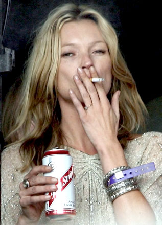 Does Taylor Swift Smoke Cigarettes Smoking can prematurely age