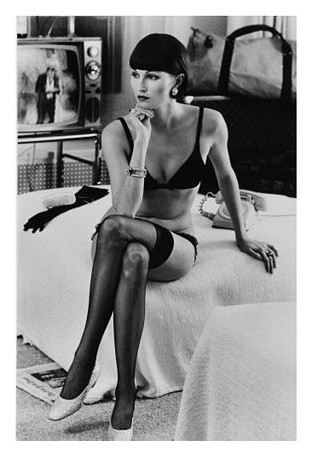 Vivianne F. by Helmut Newton.