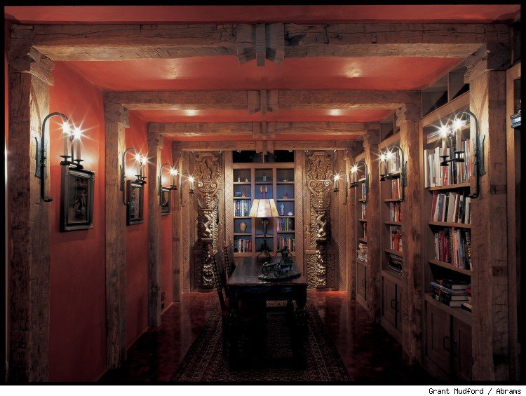 Library of the Nowlin House.