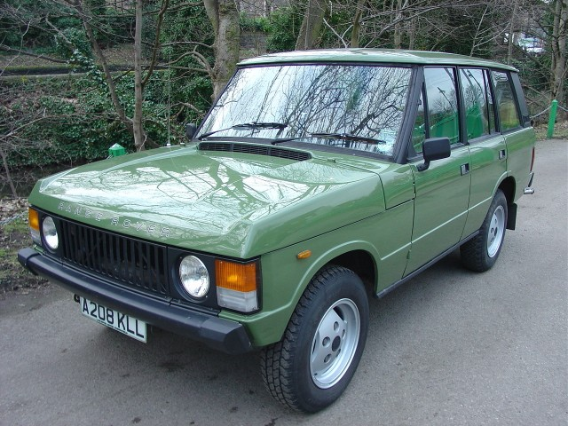 A 1980s Range Rover.