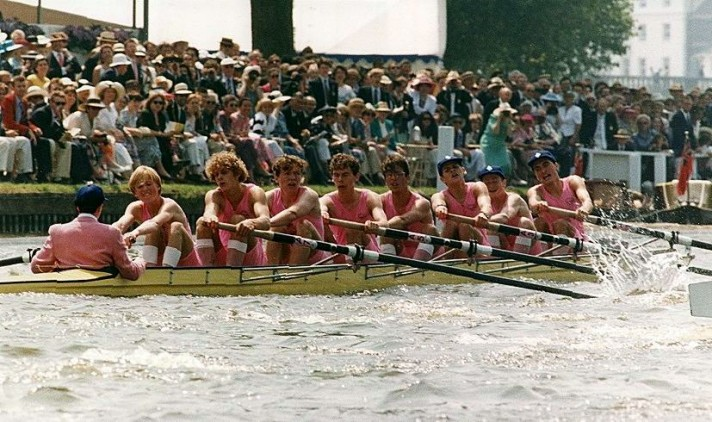 Oarsmen in Leander pink.