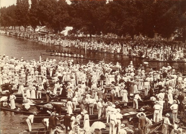 A scene at Henley from the 1900s.