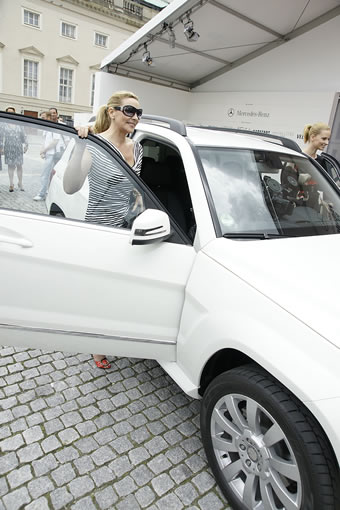 Kim Cattrall and the Mercedes GLK