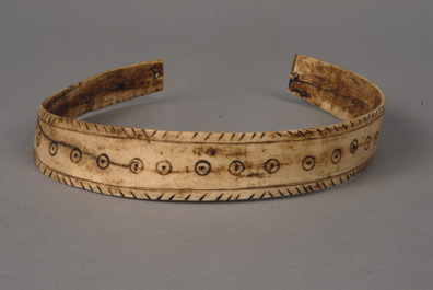 Inuit Carved Ivory Necklace, 19th Century
