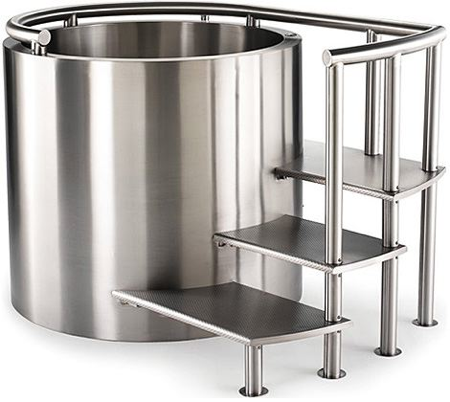 Stainless Steel Ofuro Tub Costs 20 000 Luxist from luxist.com