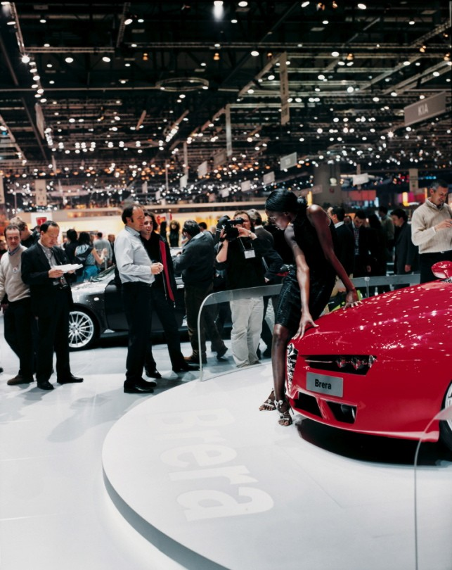 2.	Alfa Romeo girl 1, Geneva, 1 March 2005 (city section)