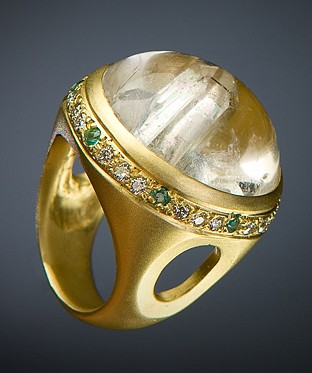 Vicente Agor Snow Globe Ring