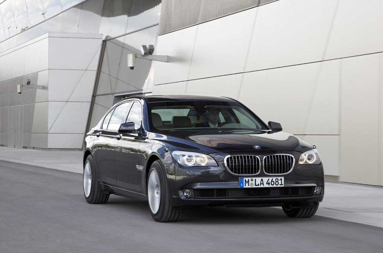 01-bmw-7-high-security