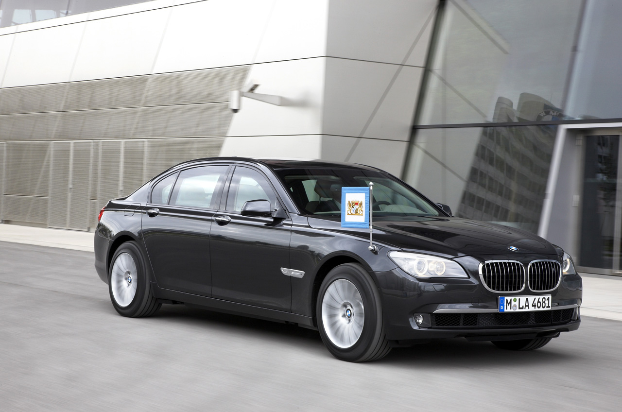 25-bmw-7-high-security