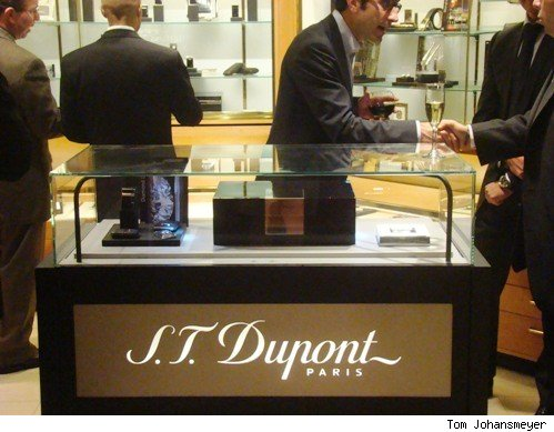 S.T. Dupont store in-store at Davidoff Madison Avenue