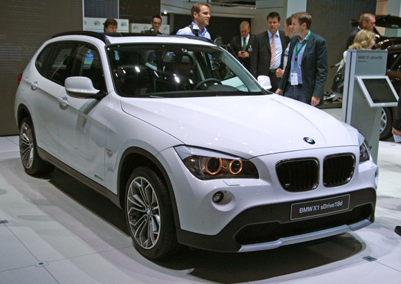 BMW Offers New Turbo Engine on Sold-Out X1 Crossover