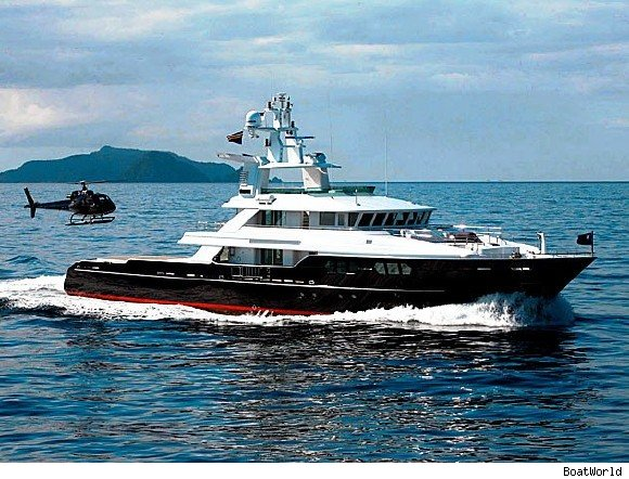t6 yacht