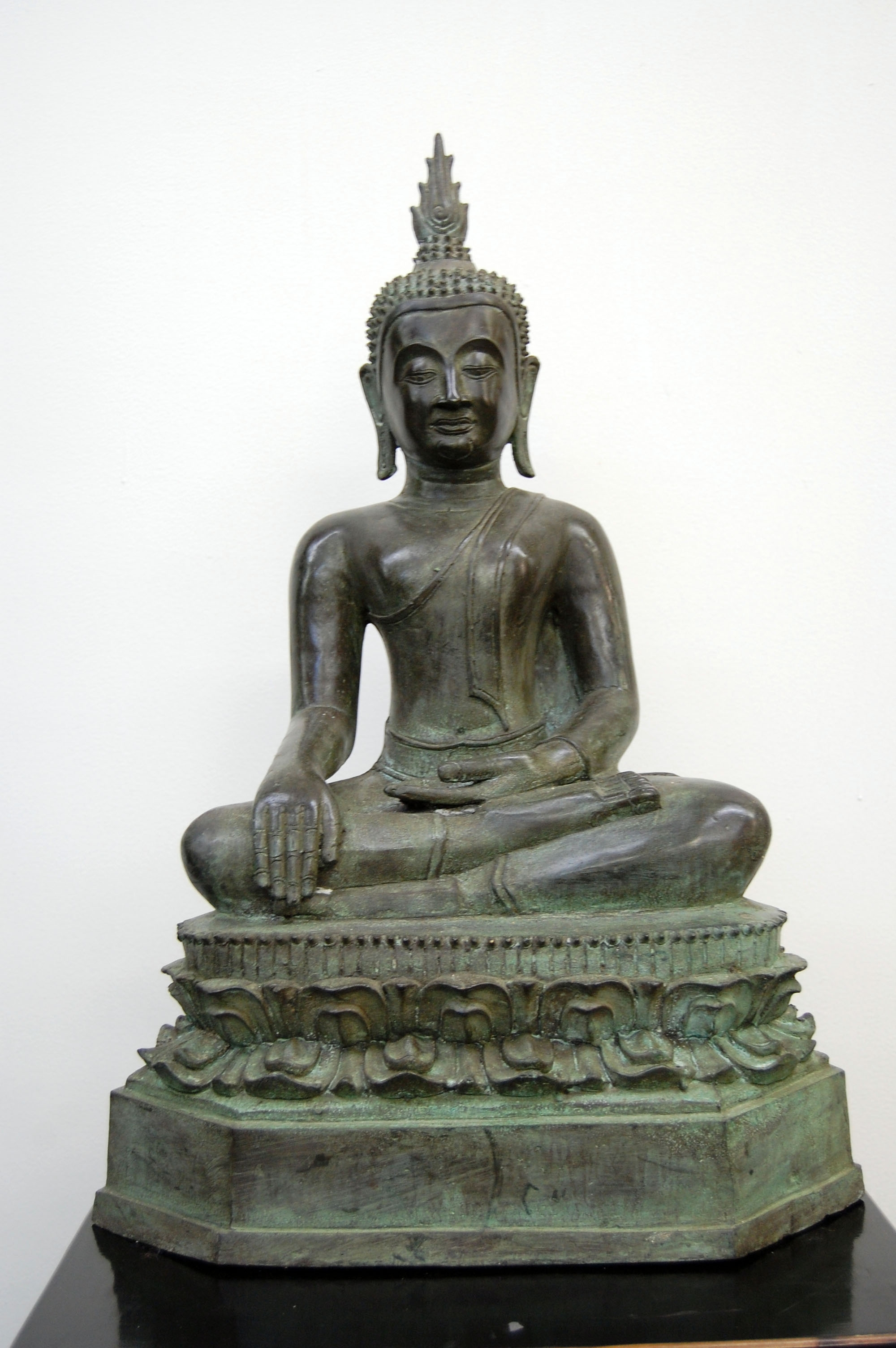 BRONZE BUDDHA 