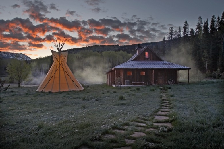 A RUSTIC, ROMANTIC GETAWAY AMID THE SAN JUAN MOUNTAINS