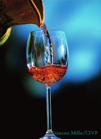 photo of rose wine