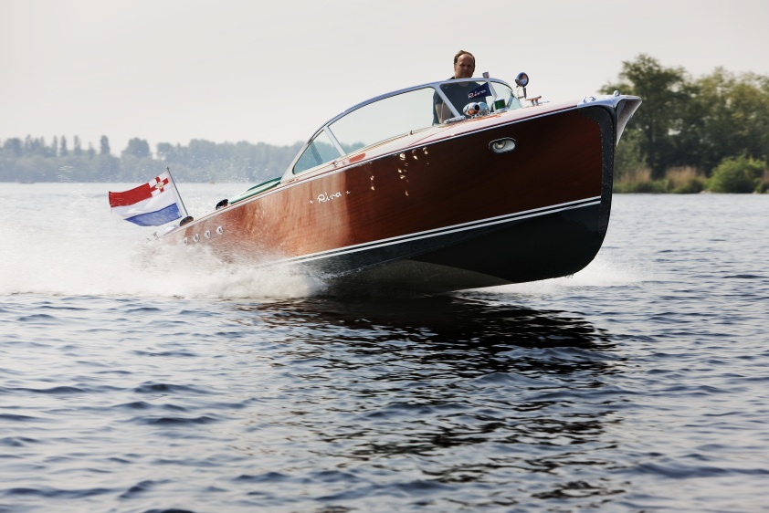 Classic Riva Superaquarama
