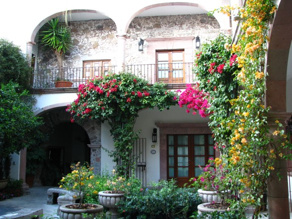 Courtyard in Casa de Sierra Nevada