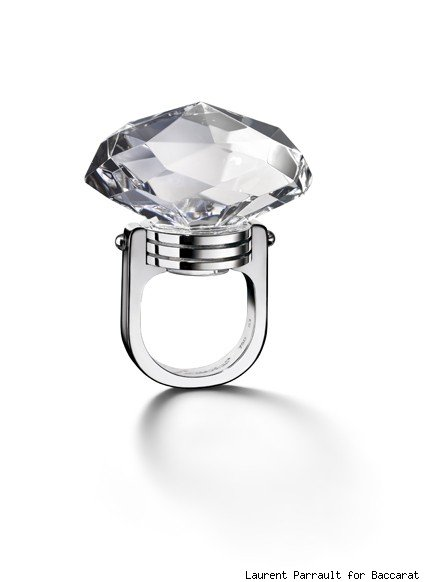 Baccarat's crystal and white gold oval ring