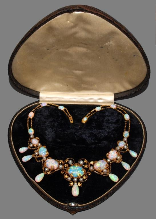 elsie de wolfe opal necklace