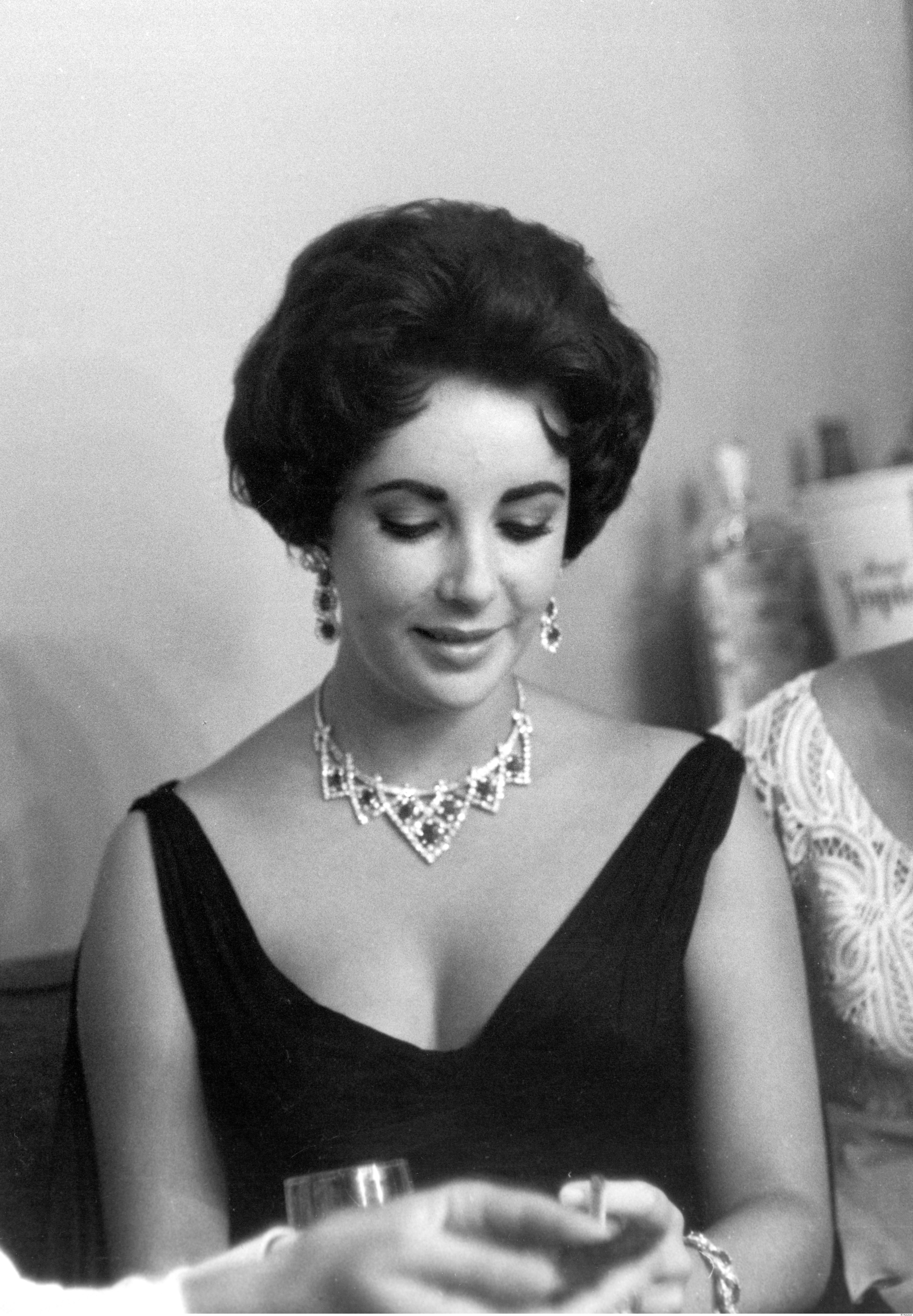 Elizabeth Taylor in her Cartier Necklace and Earrings