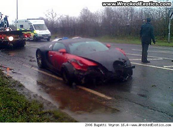 bugatti veyron crash