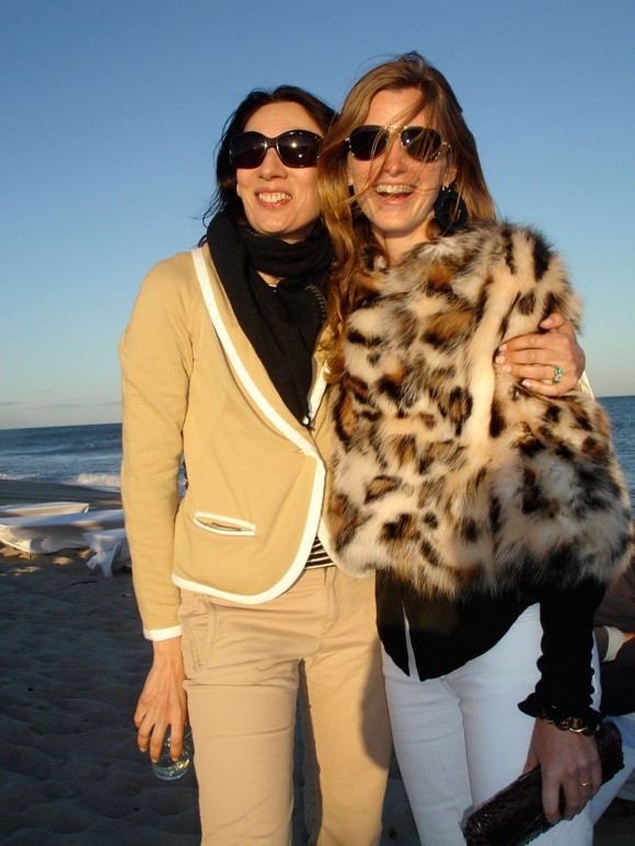 Amanda with her friend Anh Duong in 2006