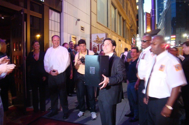 Louis XIII is carried into Rick's Cabaret