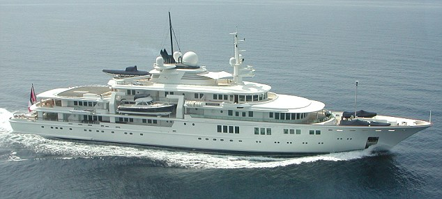 Paul Allen's Tatoosh - Paris Hilton