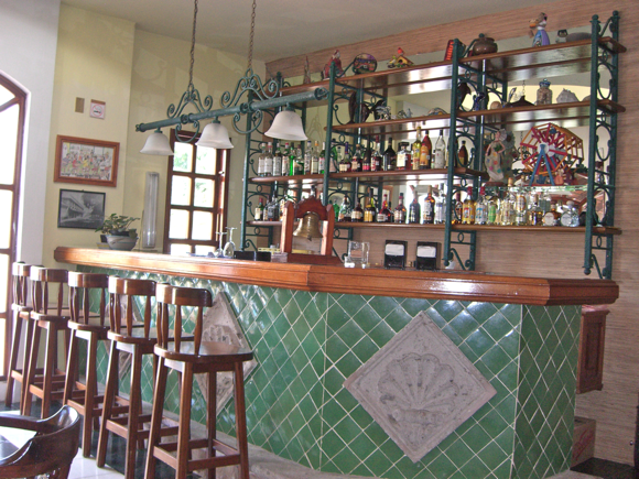 Bar at El Delphin