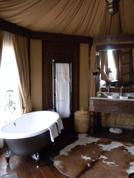 Berber Tent Suite Bathroom