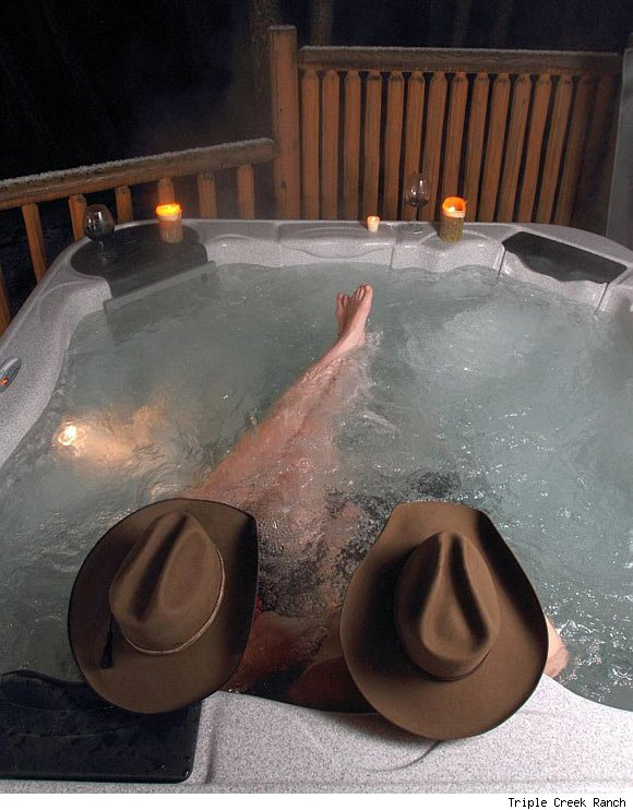 A hot tub at Triple Creek Ranch