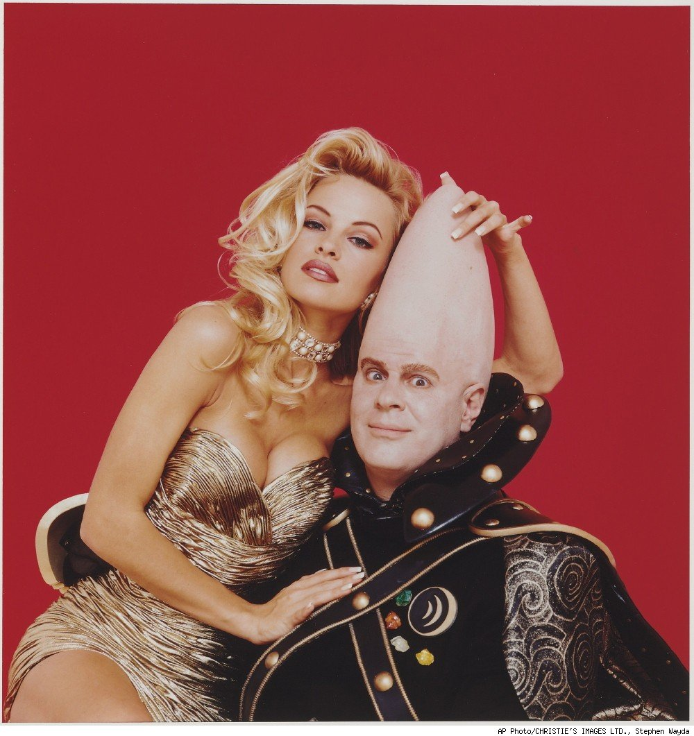 993 Stephen Wayda photograph of Pamela Anderson and Dan Ackroyd