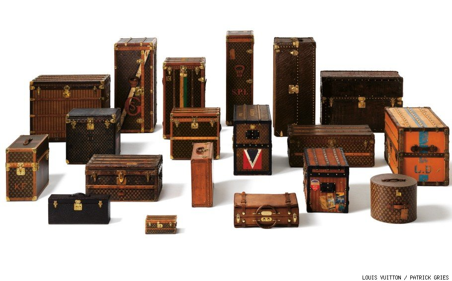 The volume of a Louis Vuitton trunk can be defined by the nature of its contents, the means of transport, its handling, etc.