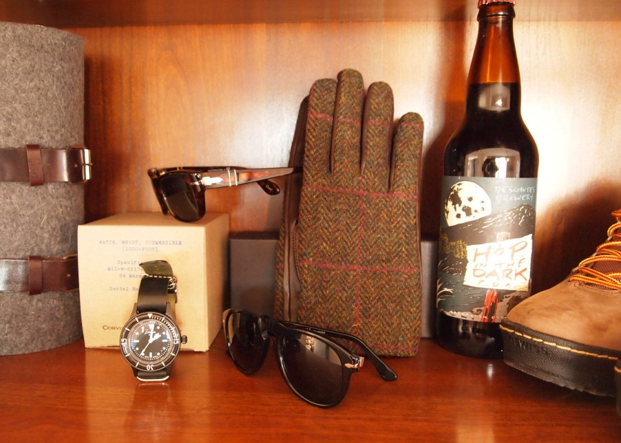 Graf & Lantz wine carrier; Persol sunglasses; Freemans Sporting Club watch; Thomas Pink gloves; Deschutes ale; K-Swiss Hikers.