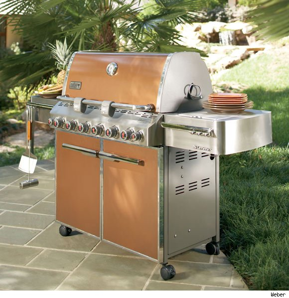 Weber, which makes grills and accessories, wins the Luxist Editors' Choice Award for Best in Outdoor Entertainment.