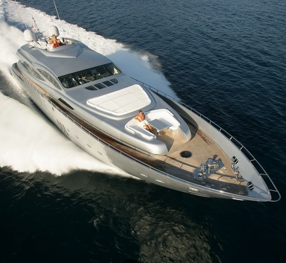 Pershing Launches New Rolls-Royce Powered 115' Superyacht