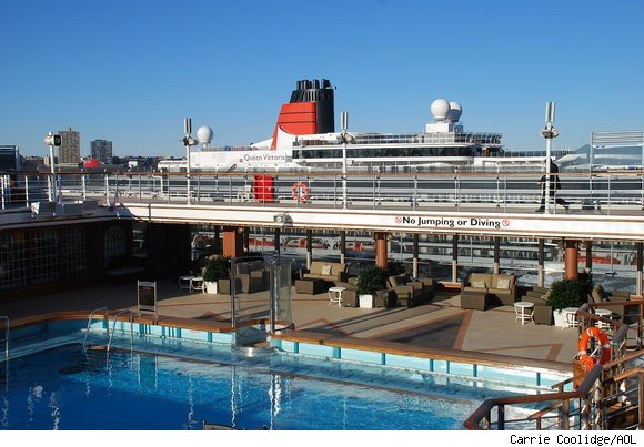 Cunard's Queen Elizabeth's Maiden Voyage to New York