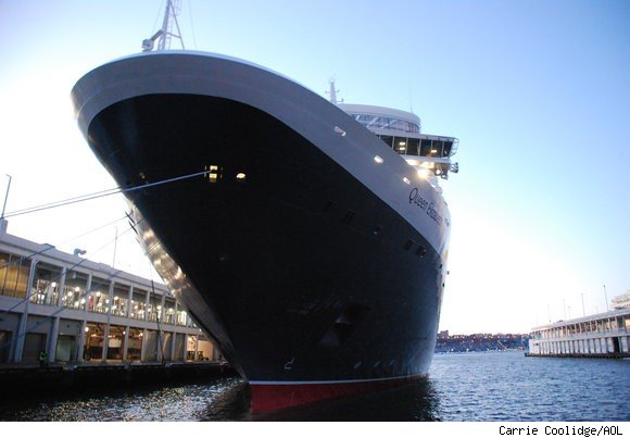 Cunard Line's Queen Elizabeth has her maiden call to New York on January 13, 2011.