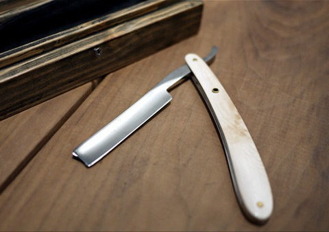 Mammoth Straight Razor