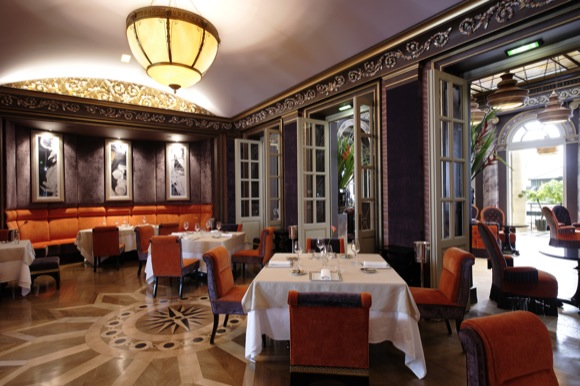 Dining at Le Pressoir d'Argent: The colors are a bit more subtle at night
