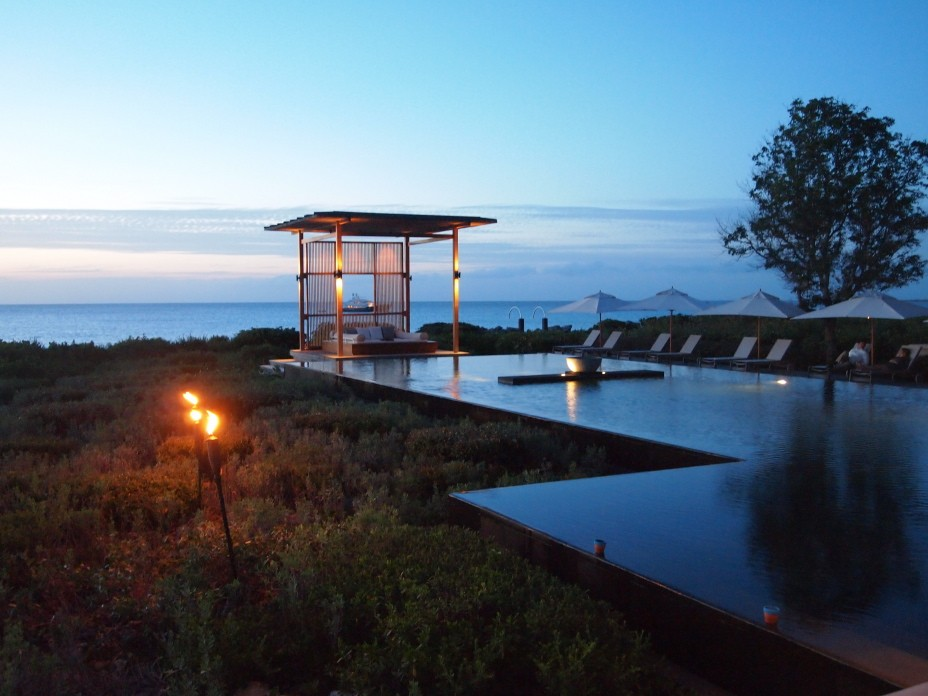 Amanyara infinity pool at sunset