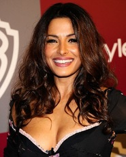 sarah shahi, sarah shahi sexy photos, hot celebrity women